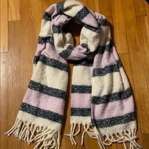 NWOT Abercrombie & Fitch scarf